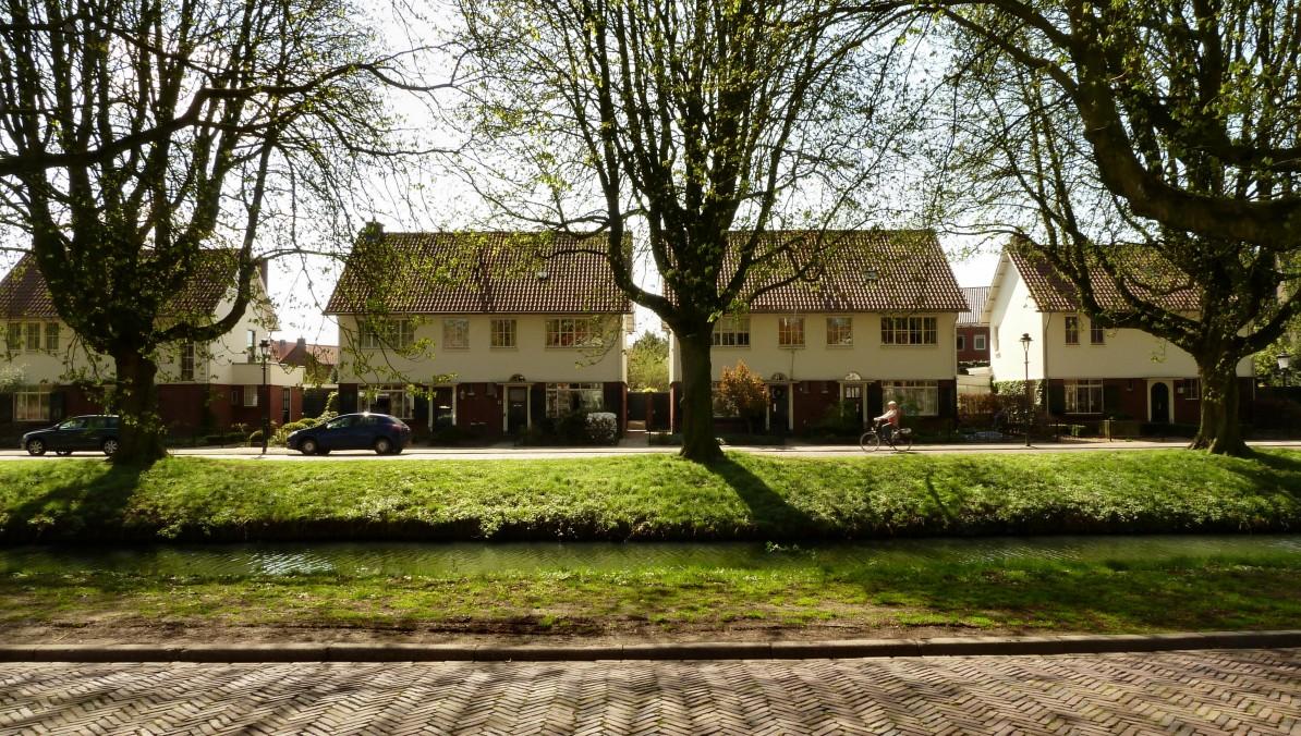 Tuindorp 't Lansink in Hengelo, Woolderbeekweg