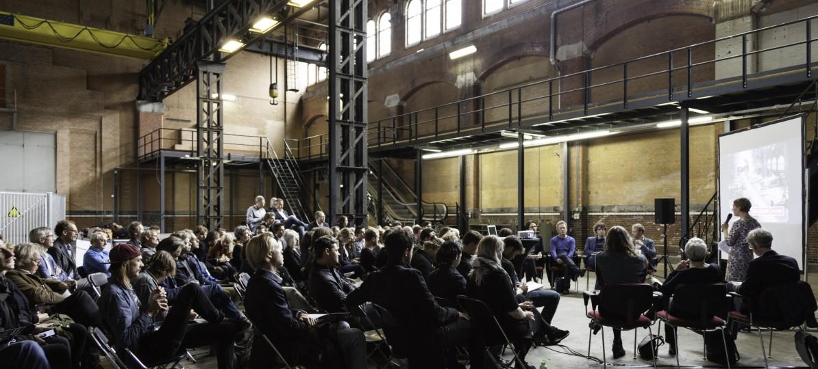 Eindpresentaties in de Energiecentrale aan de Hoogte Kadijk Amsterdam, decor voor de 4e Week van het Lege gebouw. Foto: Antonio Granata