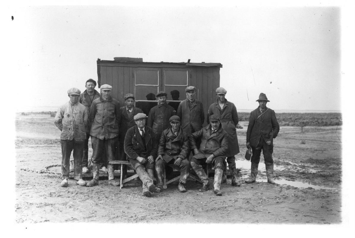 De arbeiders die de Noordoostpolder schiepen
